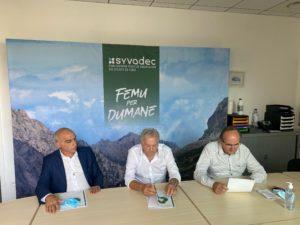 François-Marie Marchetti, Don Georges Gianni, Pierre Guidoni en train de présenter le bilan du tri. 2019